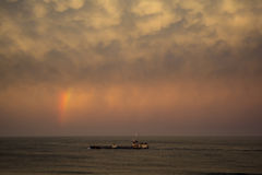 Arco-íris sobre o barco em Manasquan NJ Fotos de Stock Royalty Free