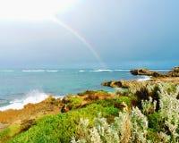Arco-íris sobre o oceano Imagens de Stock