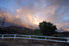 Arco-íris sobre o sinal de Hollywood Imagens de Stock Royalty Free