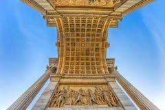Arco ρυθμός della, αψίδα της ειρήνης, κοντά στο πάρκο Sempione στο κέντρο πόλεων του Μιλάνου, Ιταλία στοκ εικόνες