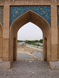 Arco acentuado en el puente de Alá Verdi Khan de 33 políticos en Isfahán, Irán fotos de archivo