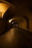 Arco all'indicatore luminoso di notte Fotografie Stock Libere da Diritti