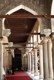 Arco all'interno di una moschea Immagine Stock Libera da Diritti