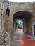 Arco alla città fotografia stock