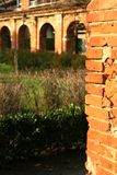 Arco antico del mattone fotografia stock libera da diritti