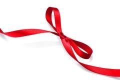 Arco burocrático del regalo de la tarjeta del día de San Valentín Cinta roja elegante del regalo del satén fotos de archivo libres de regalías