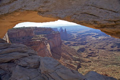 Arco Canyonlands N.P. do Mesa. Imagem de Stock Royalty Free