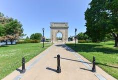 Arco commemorativo dell'istituto universitario militare reale, Kingston, Ontario fotografia stock libera da diritti