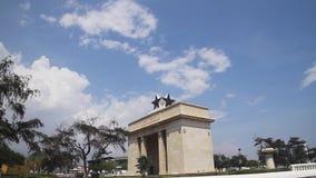 Arco da independência no céus azuis vídeos de arquivo