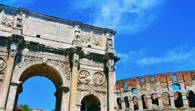 Arco de Constantim e de coliseu em Roma, Itália Foto de Stock Royalty Free