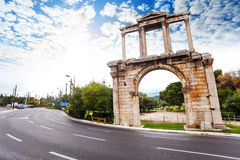 Arco de Hadrian, estrada de Leoforos Vasilisis Amalias Imagens de Stock