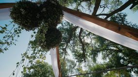 Arco de la boda con las flores almacen de video