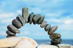 Arco de pedra preto Fotos de Stock Royalty Free