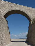 Arco de pedra, Sperlonga, Itália Fotos de Stock Royalty Free
