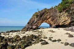 Arco de piedra natural Imagen de archivo libre de regalías