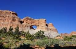 Arco de piedra rojo del paisaje del desierto Fotografía de archivo libre de regalías