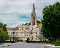Arco De Santa Maria w Burgos, Hiszpania, jest jeden 12 średniowiecznej bramy centrum miasta podczas wieków średnich zdjęcia royalty free