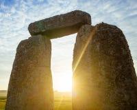 Arco de Stonehenge no alvorecer imagens de stock