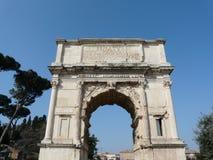 Arco de Titus en el foro romano en Roma, Italia Imagenes de archivo