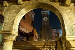 Arco de Veneza Itália sobre a ponte da escada na noite fotografia de stock