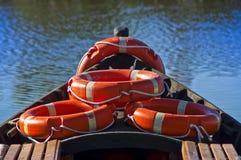 Arco del barco con algún salvavidas imágenes de archivo libres de regalías