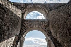 Arco del colosseum Fotografía de archivo libre de regalías