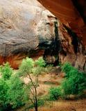 Arco del Grotto, sosta nazionale di Canyonlands, Utah fotografie stock
