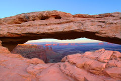 Arco del Mesa - Canyonlands Utah Fotos de archivo libres de regalías