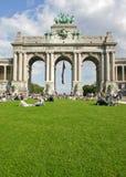 Arco del trionfo del cinquantesimo, Bruxels immagini stock