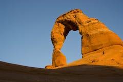 Arco delicado en la puesta del sol Fotografía de archivo