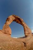 Arco delicado Fisheye contra el cielo azul claro Imágenes de archivo libres de regalías