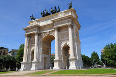 Arco della意大利米兰纪念碑步幅 免版税库存照片