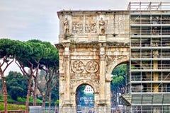 Arco di Constantino, arco de Constantim em Roma, Itália fotos de stock