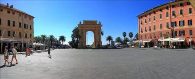 Arco di Margaret della spagna nel finale Ligure Immagini Stock