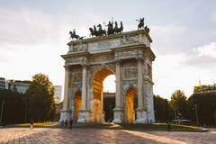 Arco di pace nel parco di Sempione, Milano, Lombardia, Italia Passo aka Porta Sempione di della di Arco a Milano, Italia Fotografie Stock