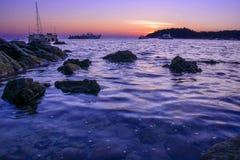 Arco di pietra con la bella spiaggia Immagine Stock Libera da Diritti