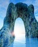 Arco di pietra vecchio in mare Fotografia Stock Libera da Diritti