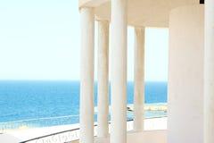 Arco di Windows con la vista del mare Immagini Stock
