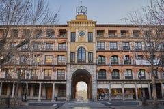 Arco do sangue no Zocodover quadrado no nascer do sol em Toledo, Espanha fotos de stock royalty free