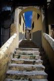 Arco e escadas em Tânger medina em Marrocos Foto de Stock Royalty Free
