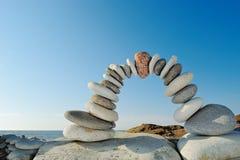 Arco en la costa Foto de archivo libre de regalías