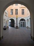 Arco en Riga imagenes de archivo