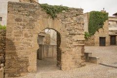 Arco a ferro di cavallo, Agreda, Soria, Castiglia-Leon, Spagna Immagini Stock Libere da Diritti