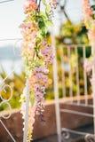 Arco forjado do casamento Casamento no mar no por do sol, Montenegro, P Fotos de Stock
