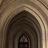 Arco gótico na catedral Foto de Stock Royalty Free