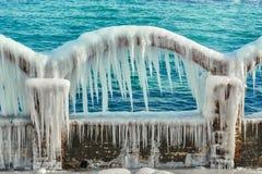 Arco gelado com sincelos Imagem de Stock