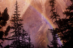 Arco iris de la barranca de Yellowstone Fotos de archivo libres de regalías