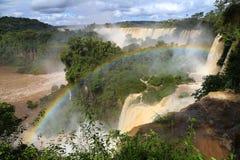 Arco iris de la caída de Iguazu en la Argentina Imagen de archivo libre de regalías