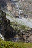 Arco iris de la cascada Fotos de archivo libres de regalías