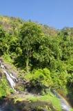 Arco iris de la cascada de Wachirathan fotografía de archivo